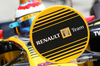 Vitaly Petrov, Renault F1 Team, lollipop