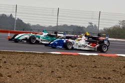 James Calado overtakes Jazeman Jaafar and Jean-Eric Vergne