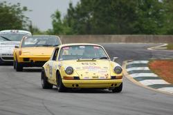 #63 1972 Porsche 911: Scott Jacthuber
