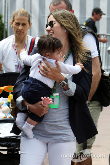 Rafaela Bassi, Wife of Felipe Massa with son Felipinho