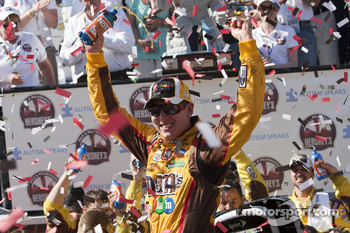 Victory lane: race winner Kyle Busch, Joe Gibbs Racing Toyota