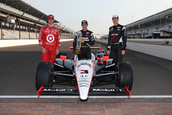 Front row photoshoot: Helio Castroneves, Penske Team, Will Power, Penske Team, Dario Franchitti, Target Chip Ganassi Racing