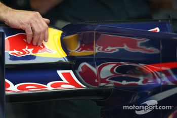 the F-Duct system on the car of Sebastian Vettel, Red Bull Racing