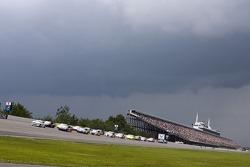 Rain threatens the start