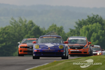 #41 TRG Porsche 997: Spencer Pumpelly, Steven Bertheau