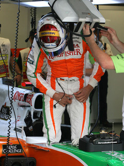 Adrian Sutil, Force India F1 Team getting in the car