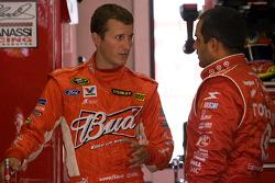 Kasey Kahne, Richard Petty Motorsports Ford and Juan Pablo Montoya, Earnhardt Ganassi Racing Chevrolet