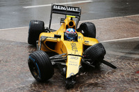Джоліон Палмер розбив Renault Sport F1 Team RS16