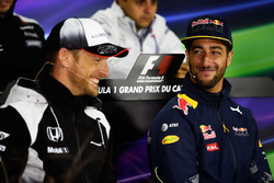 (L to R): Jenson Button, McLaren and Daniel Ricciardo, Red Bull Racing in the FIA Press Conference