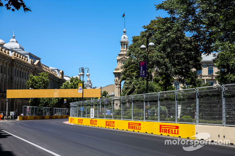 f1-european-gp-2016-baku-city-circuit-at