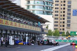 Felipe Nasr, Sauber C35, in der Box