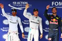 Fórmula 1 Fotos - Polesitter Nico Rosberg, Mercedes AMG F1, second place Lewis Hamilton, Mercedes AMG F1, third place Daniel Ricciardo, Red Bull Racing