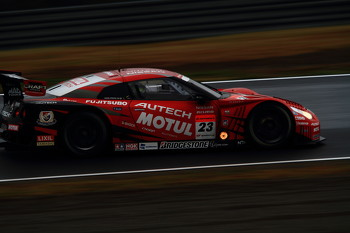 MOTUL AUTECH GT-R