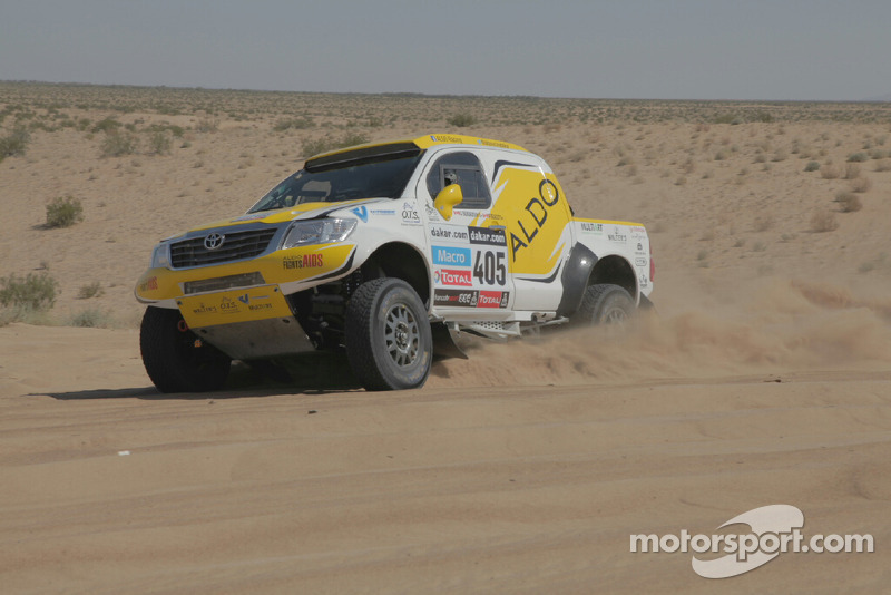 ALDO Racing Toyota Tacoma in the Mexican Desert