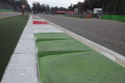 Monza sidewalk