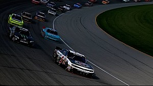 Late race restart helps Harvick get NNS win