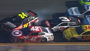 Austin Dillon Wrecks Jeff Gordon on Last Lap - Daytona 500