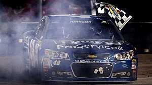 Johnson holds off Harvick in Texas