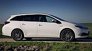 Toyota Auris TS Hybrid 2015 review