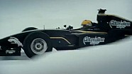 Михаил Алешин на гоночной машине на льду