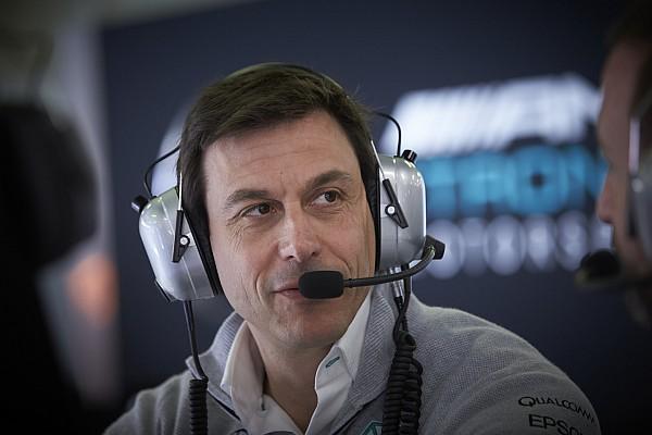 Формула 1 Новость Вольф рассказал об изменениях в Хэмилтоне после ухода Росберга