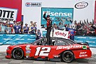 NASCAR XFINITY Blaney rebasa a Harvick para ganar la Xfinity en Charlotte