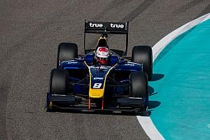 FIA F2 Laporan tes Tes F2 Abu Dhabi: Albon pimpin hari terakhir, Gelael P16