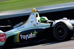 IndyCar Crónica de entrenamientos Claman De Melo pasa la prueba para novatos de Indy