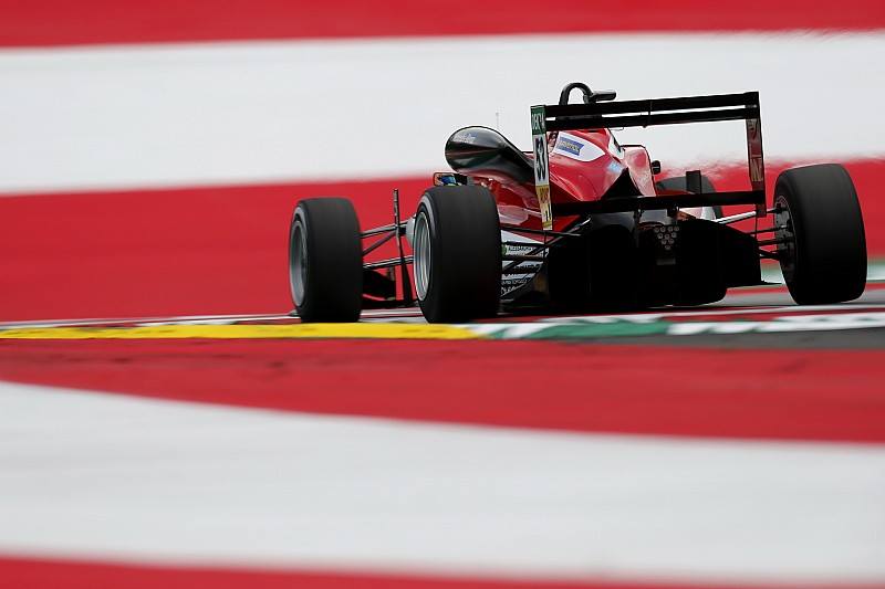 Red Bull Ring F3: Ilott beats Eriksson in opening race