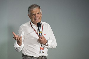 MotoGP Важливі новини Агостіні став на захист Маркеса у ситуації з Россі