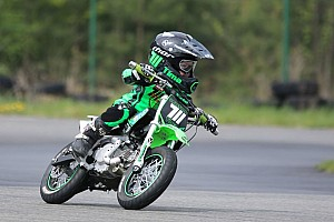 UASBK Важливі новини Наймолодший мотогонщик світу змагався у першій справжній гонці