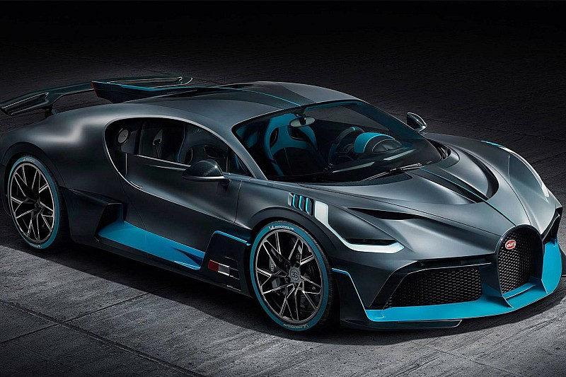 Мережу сколихнула фейкова аварія Bugatti Divo