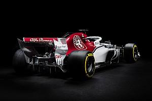 Egészen közelről a Halo az Alfa Romeo Sauber versenygépén
