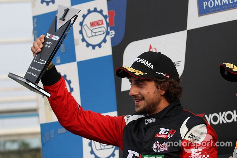 Doppio titolo TCR DSG per Giovanni Altoè: