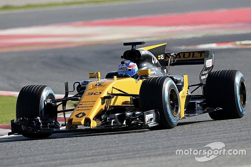 Los autos 2017 de Renault y Haas tomaron la pista en Barcelona