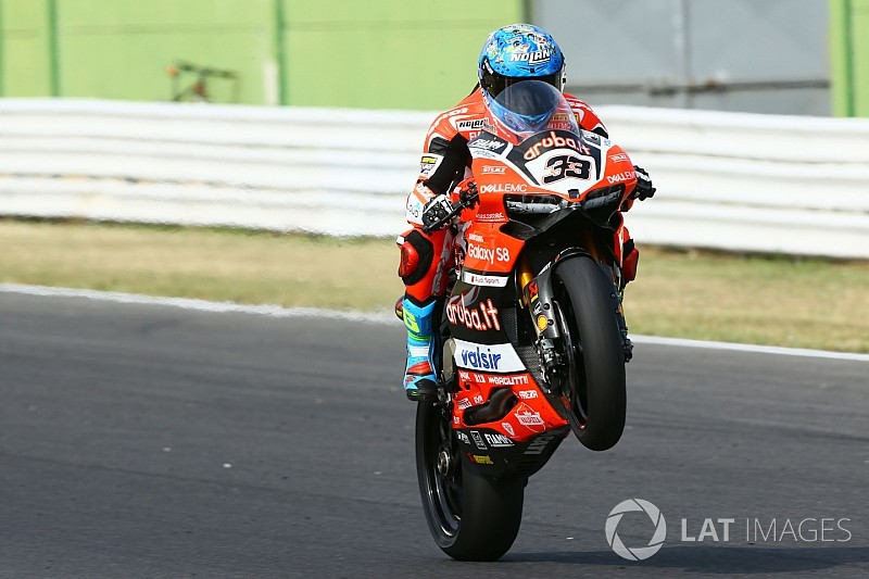 Course 2 - Trois ans après, Melandri renoue avec la victoire en Superbike