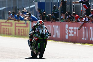 World Superbike Breaking news Jerez WSBK: Melandri failure gifts Rea Race 1 victory