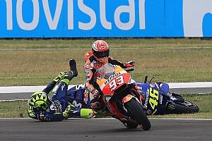 MotoGP I più cliccati Fotogallery: la sequenza del contatto Marquez-Rossi in Argentina