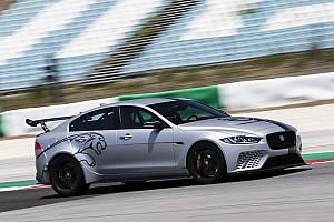 Auto Actualités La Jaguar XE SV Project 8 se dégourdit à Portimao!