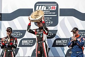 WTCR Crónica de Carrera Honda se llevó el 1-2 con Ehrlacher y Guerrieri en Hungría