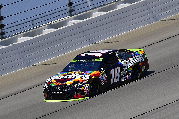 NASCAR Cup Kyle Busch dominates Stage 1, title rivals hit with speeding penalties