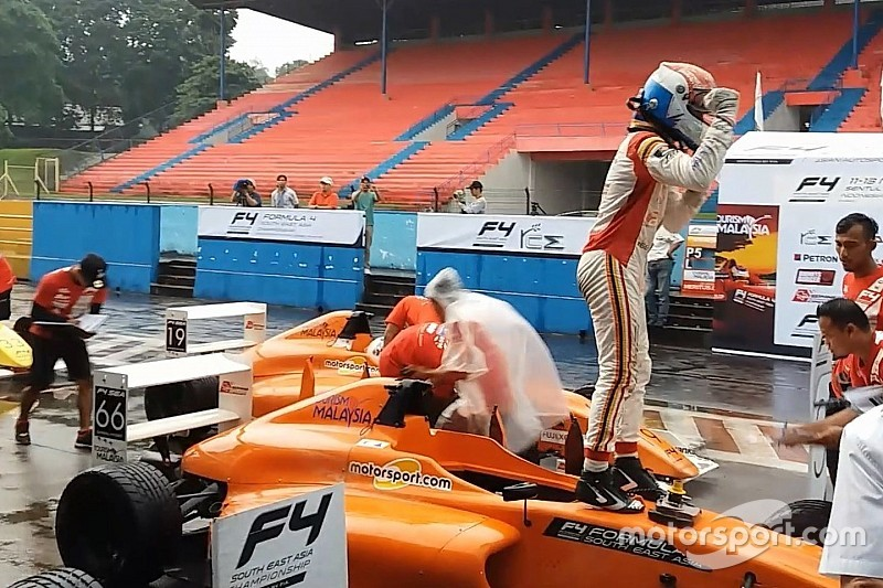 F4/SEA Sentul: Frost juara Race 1, Presley runner-up, Keanon P6