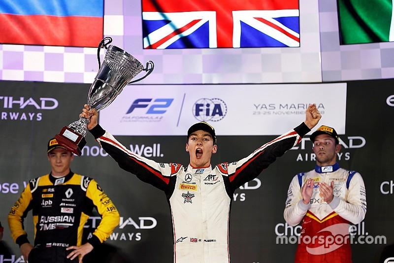 F2 Abu Dhabi: Russell pakt titel in stijl, De Vries net naast podium