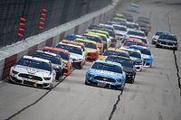 NASCAR zwaait groene vlag met spookrace in Darlington
