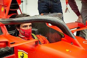 Először a Ferrari szerelésében Sainz! (kép)