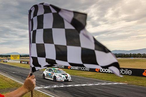 Alfa Romeo: tridente vincente per Romeo Ferraris in TCR Australia