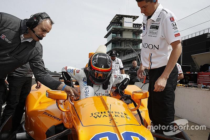 Alonso pasó el examen para competir en Indy 500