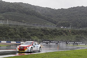 WTCC Race report China WTCC: Guerrieri charges to victory in heavy rain