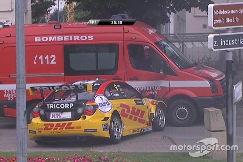 Коронель врезался в пожарную машину на тренировке WTCC