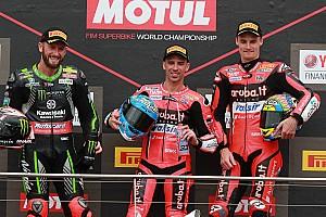 World Superbike Crónica de Carrera Melandri y Ducati doblegan a las Kawasaki oficiales en Australia